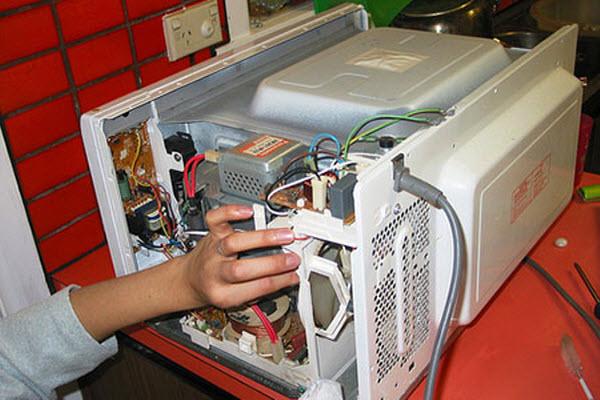 Sửa chữa lò vi sóng không nóng